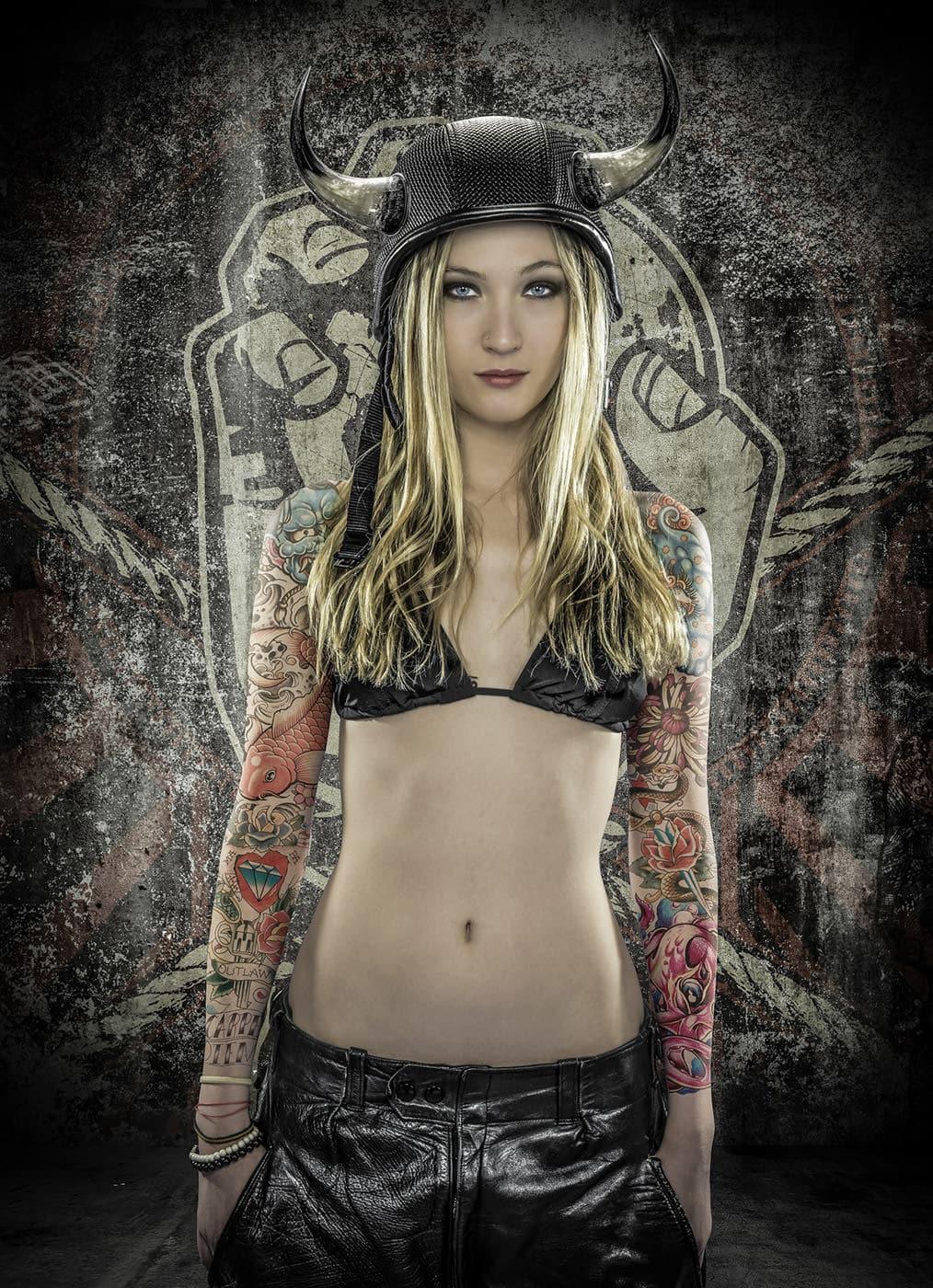 Retoque Fotografía Mujer Tatuajes